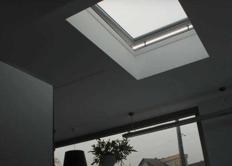Επίπεδο παράθυρο οροφής τύπου F